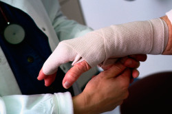 Травма как причина оформления больничного листа
