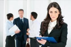 Оформление на работу иностранца в кадровой службе